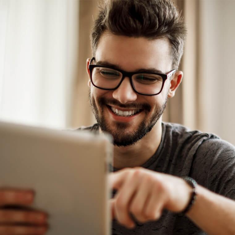 man performing tax residency test on SprintaxTDS Canada